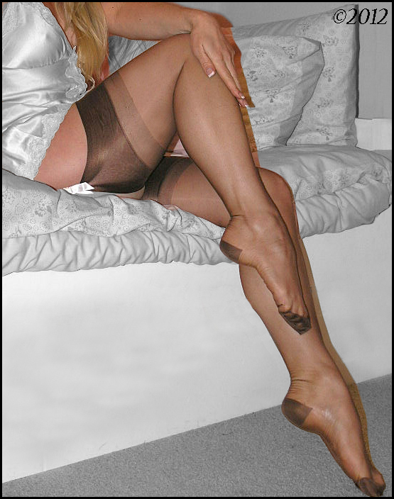 Seamed and seamless pantyhose review by jeny smith 4
